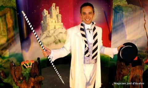 animation a domicile enfant, anniversaire, magicien, spectacle de magie, fête, clown, animation, 13, Bouches du Rhône, Aix en Provence Marseille, Paca, fête, arbre de Noël, école, Gardanne